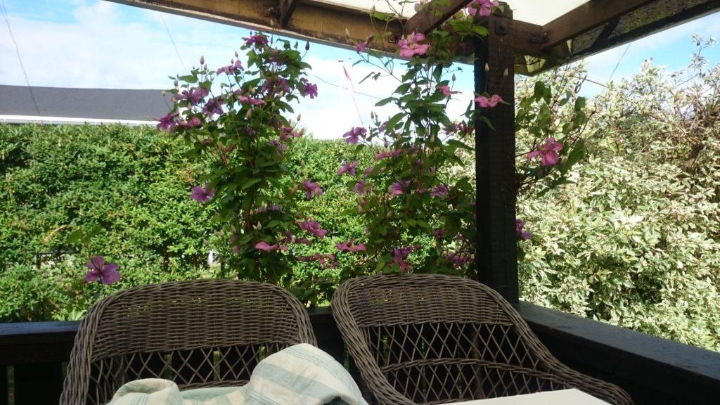 Den overdækkede terrasse - så fin, så fin.